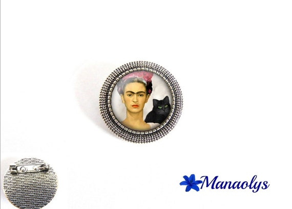 Antique silver round brooch, frida Kahlo, painting, 34 glass cabochons