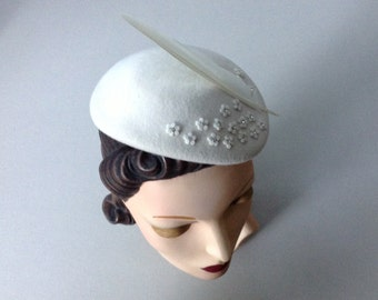 Ivory Felt Mini Eugenie Wedding Hat, Bridal Accessory, Ivory Wool felt Cocktail Hat with Rhinestones, Felt Flowers and a Pigeon Feather