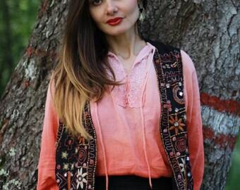 Vintage embroidery vest Boho flower vest Flower beads embroidery Black vest Boho chic Urban indie Hippie vest t S/M 70's
