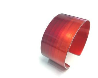 Crimson 30 mm Anodised Aluminium Cuff