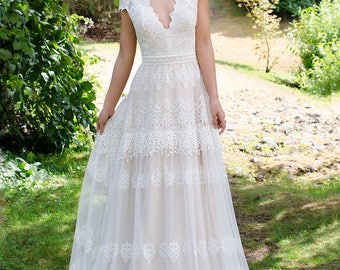 Bohemian wedding dress, boho wedding dress, lace wedding dress, cap sleeve bridal gown