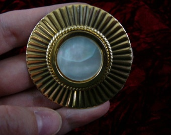 Gray white Mother of Pearl on textured round circle Victorian repro brass pin pendant BR-7
