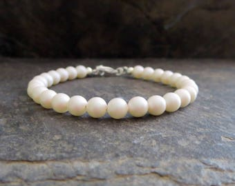 White Swarovski Pearl Bracelet, Classic Jewelry for the Bridal Party, Wedding Bracelet, Elegant Pearl Jewelry For Wife Girlfriend