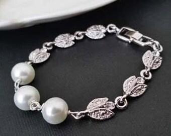 Pearl Bridal Bracelet, Pearl Bracelet Wedding, Bridal Statement Bracelet, Pearl Crystal Bridal Jewelry, Rhinestone, Vintage Wedding