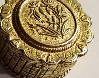Vintage  pill box ,goldtoned  florenza round box