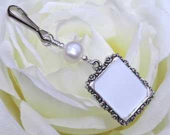 Wedding bouquet photo charm. Memorial  photo charm with pearl and small picture frame. 1 or 2 sided frame. Bridal shower gift for a bride