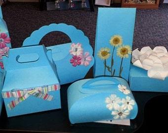 Sale Clearance Limited Quantity Favor Box/Bags Set