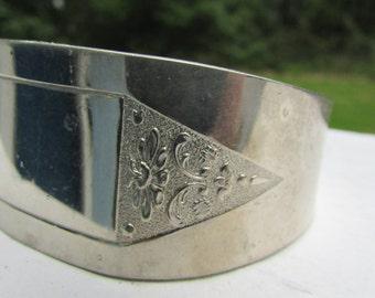 VINTAGE Hammered Aluminum Cuff BRACELET 1960'S