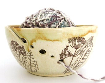 Yarn Bowl - Knitting Organizer - Milkweed - Butterfly Weed - Mothers Day Gift - Hand Thrown Ceramic Stoneware Pottery - Ready to Ship