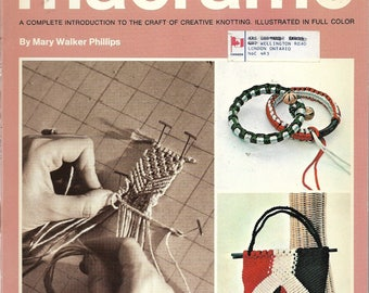 1970 Step-by-Step INSTRUCTIONS for MACRAME - Illustrated, Knots and Many Projects - Planters, Bags, Bracelets, Beads, Rugs, Belts, Pillows