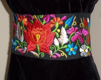 Beautiful Mexican belt embroidered. Directly from México
