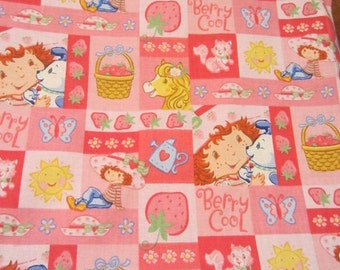 Strawberry Patch Girls Plastic Lined Wet Bathing Suit Bag