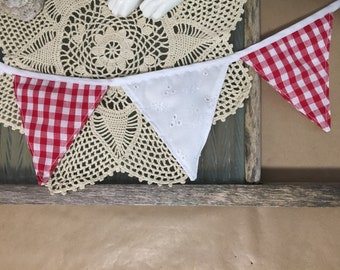 Red and White Bunting ~ Bunting ~ Long Bunting ~ Small Flags ~ Outdoor Bunting ~ Indoor Bunting ~ Props ~ Party Decor ~ Rustic Decor ~ Check