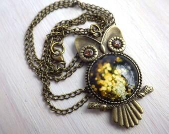 Necklace - Glitter Owl - Vintage Necklace Uhu Kauz on bronze link necklace white Cabochon