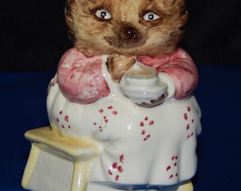 Beatrix Potter Figurine - Mrs. Tiggy Winkle Takes Tea, Hedgehog - John Beswick, Studio of Royal Doulton