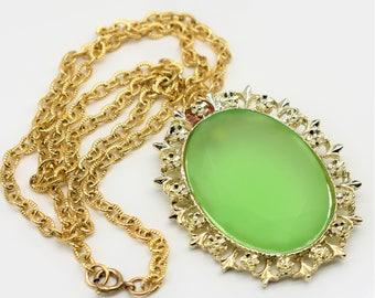 Vintage Green Glass Pendant Necklace