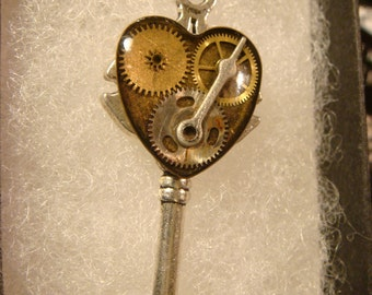 Steampunk Style Clockwork Heart  Key Pendant Necklace in Antique Silver (2131)