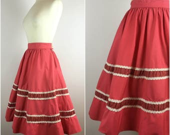 "Vintage 1950s Skirt - Red Cotton 50s Circle Skirt - Swing Skirt -  Braided Trim Detail - UK10 US6 EU38 Small W28"" -"