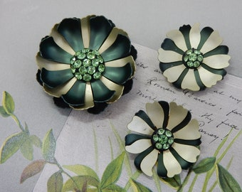 60s Flower Power Two-Tone Green Brooch & Earrings Set    PV47