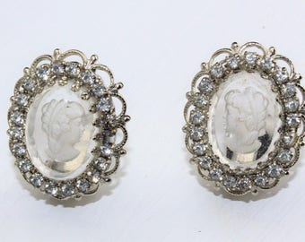 "Vintage Signed WARNER Rhinestone Clear Lucite Cameo Clip On Earrings 1 1/8"" x 1"""