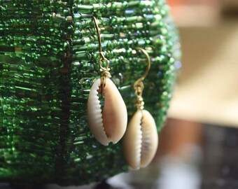 LA BRISA M9• Earrings with real shells
