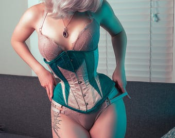 Underbust Corset for Daily Wear and Waist Training - Coutil, Steel Boned