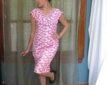1950s White Pink Lace Wiggle Dress Floral Lace Dress Scalloped Dress 50s Cotton Dress Picnic Dress 50s Midi Dress Rose Print Dress