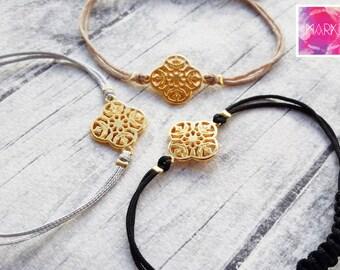 Flower charm bracelet, Friendship bracelet, Macrame bracelet, Minimalist bracelet, Gold bracelet, Bracelet set, Stacking everyday bracelet
