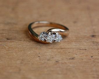 Vintage 1970s English 9 CT three-diamond wave ring