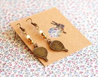 Hot Air Balloon Earrings- vintage brass.Steampunk balloon earrings.Jewelry For Her Under 10.Hipster Earrings.Hot Air Balloon  jewelry.