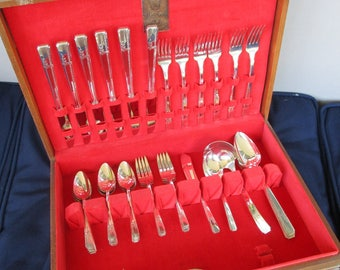 Vintage Oneida Silverware Set, Flateware, Pattern Grenonole OHSGRE, Made in 1938, 36 pieces