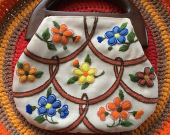 Vintage 1970s Never Used FLOWER POWER Purse Handbag Beautufu!