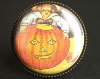 Jack o'Lantern Ring. Halloween Ring. Vintage Graphic Button Ring. Pumpkin Ring. Adjustable Ring. Bronze Ring. Halloween Jewelry.
