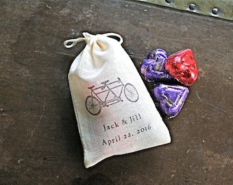 Wedding favor bags, set of 50 personalized cotton bags, tandem bike, custom names and date, bridal shower, party favor bags, cloth favor bag
