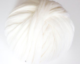 White Merino Wool Yarn, Super Chunky, Wool Roving, 100% Merino Wool, Bulky Yarn, DIY, Giant, Chunky Blanket, Unspun, Knitting, Ball of Wool