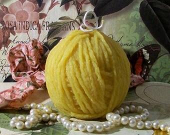 Beeswax Large Yarn Ball Candle