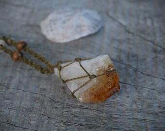 Natural Gem Citrine Macrame Necklace / METALFREE
