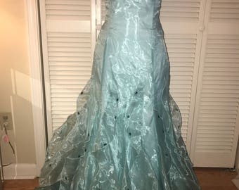 Fitted blue formal burlesque dress with ruffles and corest back size 7/8