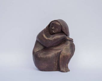 Sculpture sleeping girl waxed red clay and gold effect patina