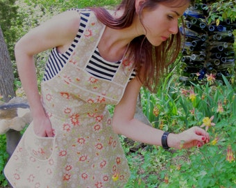 Tan Daisy California Dreaming - Flirty Everyday Housewife Apron- LAST ONE!