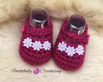 Newborn Mary Janes.. crocheted shoes... baby booties... dress shoes.. ready to ship
