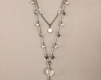 Zwei-Strang Gunmetal und Perle baumelt Blatt lange Quaste Halskette, schwarz und weiß-Kette, Perlenkette, Rotguss und Perle Schmuck