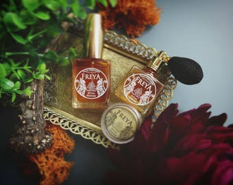 Freya - Norse Gods - Botanical Perfume • A feminine floral scent, jasmine, lotus,incense and resin • Natural perfume • Vegan