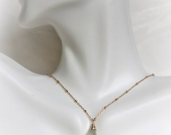 Simple Green Amethyst Gold Necklace