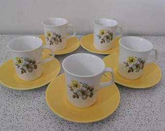 clematis...set 5 vintage coffee cups