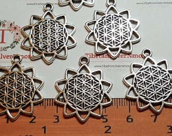 6 pcs per pack 29x26mm Sunflower Cuts Charm Antique Silver Finish Lead free Pewter