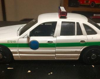Motormax Crown Vic 1:18 Dicast Toy Car