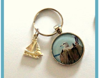 Key Ring seagull with boat