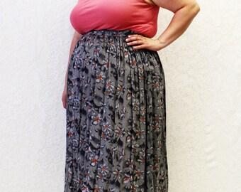 Plus Size - Vintage Grey Floral Challis Swing Midi Skirt (Size L 14/16)