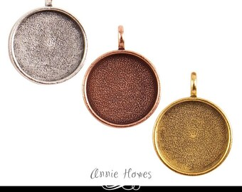 20mm Circle Pendant Tray with Glamour FX Glass Cabochon. Photo Jewelry Making. Choose your color. 20mm - 13/16 Inch.
